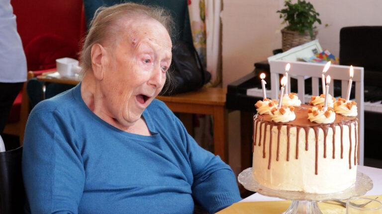 elderly-residential-care-south-devon